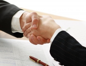 handshake-and-contract
